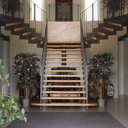 Tenuta Monterosso scalinata interna