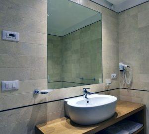 Tenuta Monterosso bathroom